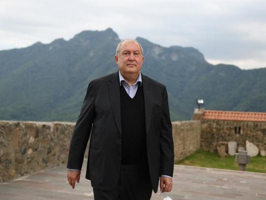У президента Армении оказалась тяжелая форма болезни из-за нового типа ковида