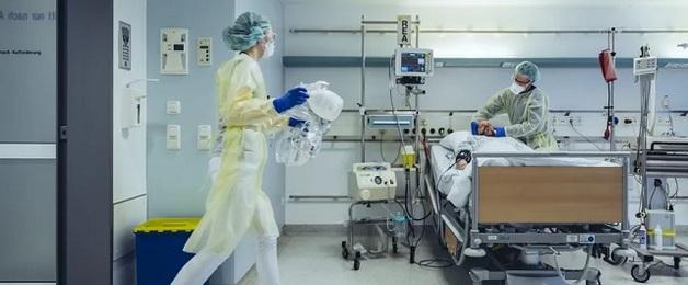 В охваченной коронавирусом-мутантом Британии впервые число смертей за сутки превысило 1,5 тысячи
