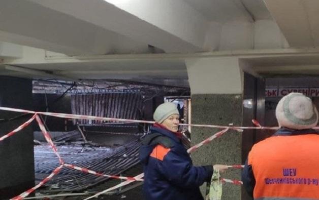 В подземном переходе на Майдане Независимости обрушился потолок
