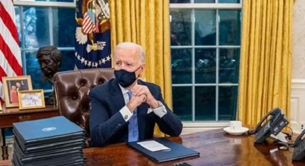 """Байден после Трампа устроил """"переворот"""" в Овальном кабинете"""