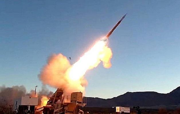 Нанесен ракетный удар по столице Саудовской Аравии: перехват попал на видео