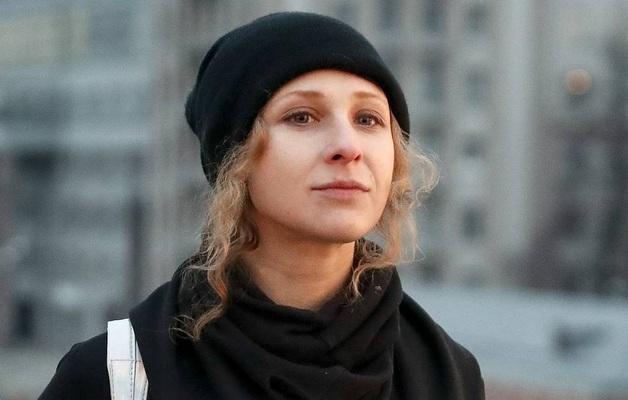 В Москве две участницы Pussy Riot сбили полицейского при задержании