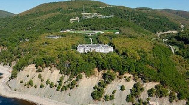 Кремль высказался о владельцах дворца в Геленджике