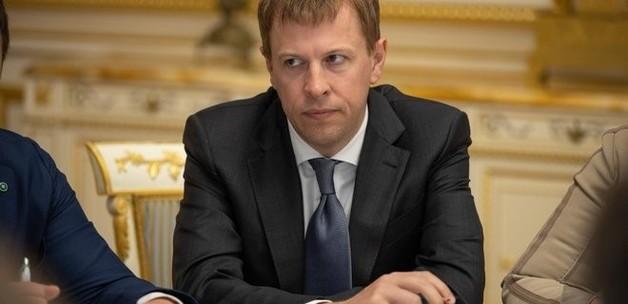 СНБО ввел санкции против компании Хомутынника. На нее записан его самолет