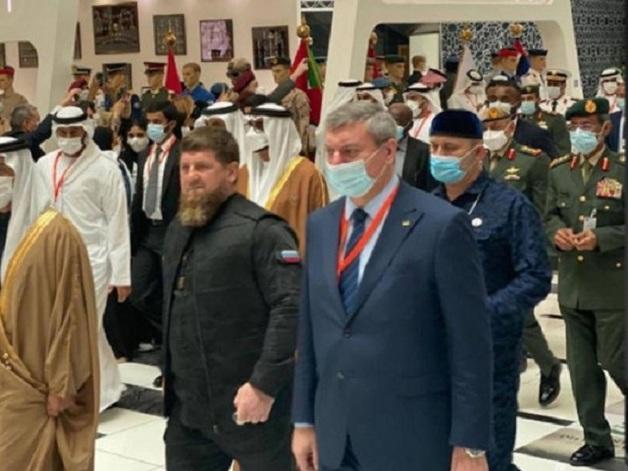 Кадыров отреагировал на скандальное фото с Уруским