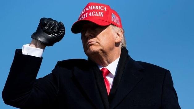 Верховный суд США не будет рассматривать иск порнозвезды против Трампа