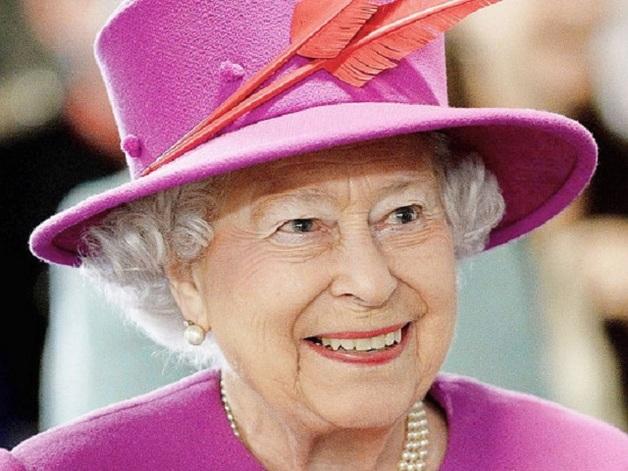 Елизавета II рассказала, как перенесла прививку от ковида