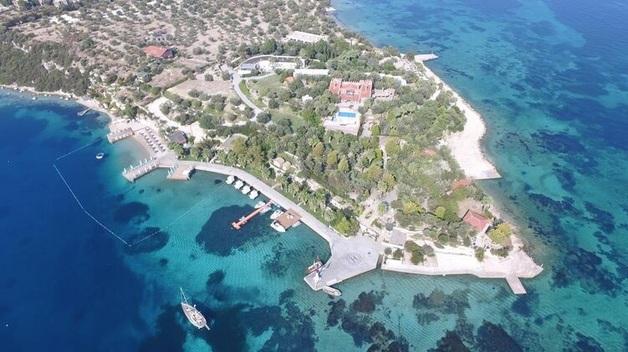 """Известный как """"Мальдивы Эгейского моря"""" остров выставили на продажу"""