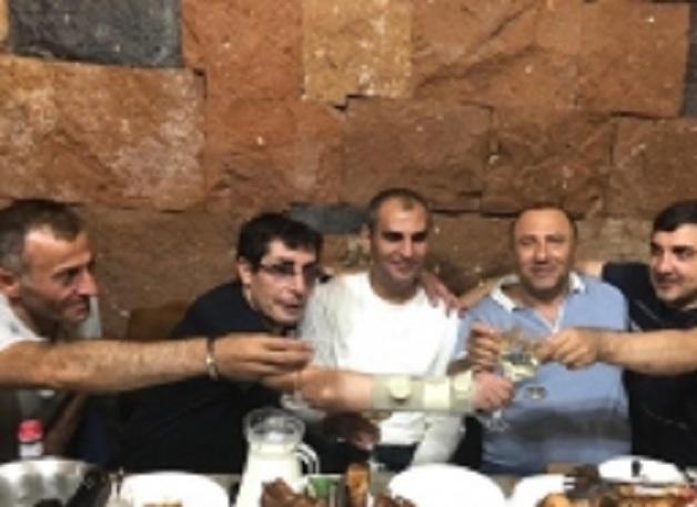"""Спецоперация в Армении: в полицию доставили 15 человек, среди них – два """"вора в законе"""""""
