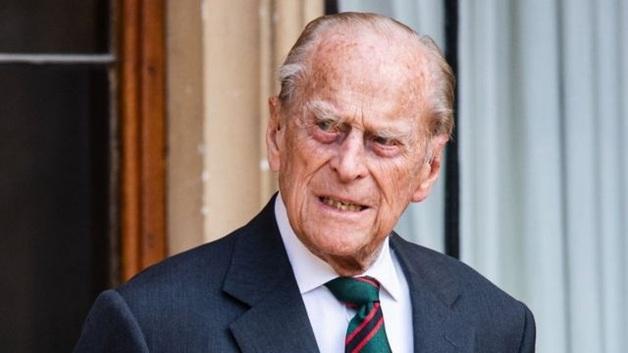 99-летний муж королевы Елизаветы II перенес операцию на сердце