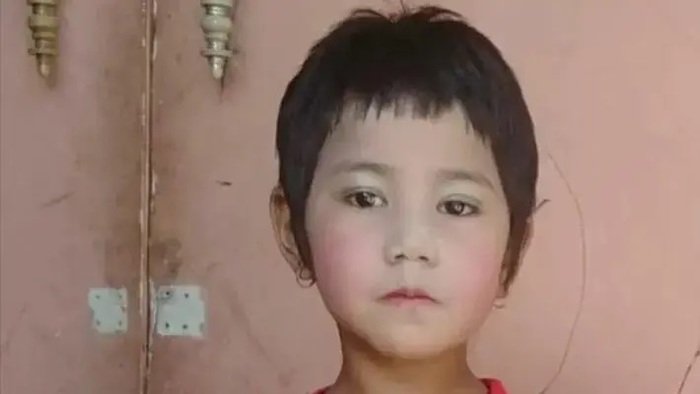 В Мьянме силовики застрелили семилетнюю девочку, которая подбежала к отцу во время обыска