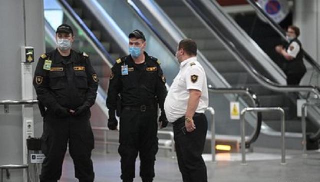 Угрожавший взрывом из-за просьбы надеть маску россиянин задержан в Шереметьево