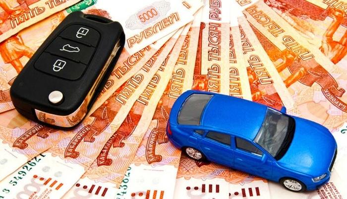 Из-за падения рубля российские автодилеры собрались повышать цены на автомобили