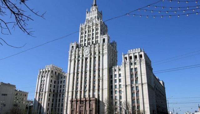 Семья олигарха Дерипаски контролирует знаменитую сталинскую высотку на Красных воротах
