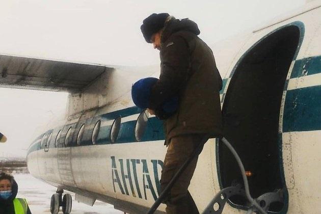 Прокуратура признала незаконным перелет губернатора Забайкалья, из-за которого с рейса сняли всех пассажиров
