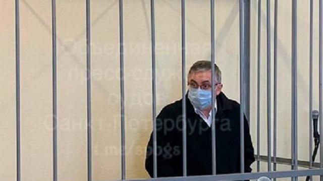 Суд отправил в СИЗО убившего жену главного нефролога Петербурга
