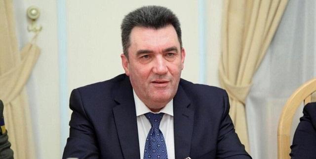 Декларация секретаря СНБО Данилова: коллекции на 20 тыс. книг и 495 фарфоровых статуэток