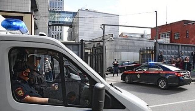 Группа националистов попыталась взять штурмом следственный отдел в Москве