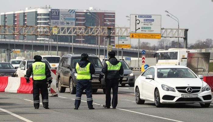 Московских автоинспекторов отправили в тюрьму за ограбление иностранцев