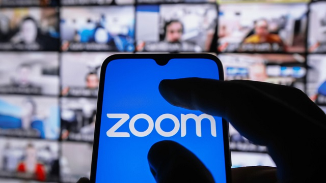 СМИ узнали о запрете продавать Zoom российским госучреждениям