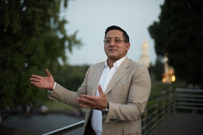 Али Реза Резазаде: от политика до мошенника