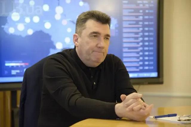 Данилов заявил, что российское гражданство жены главы СБУ – потенциальная угроза