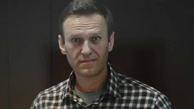 У Навального обнаружили две грыжи, немеет рука и нога