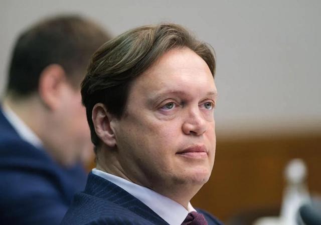 Как глава Фонда госимущества Сенниченко стал спонсором Порошенко и Кононенко