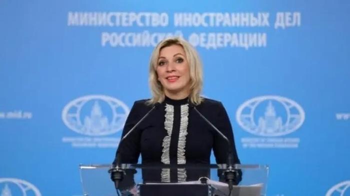 """""""Праге известно, что последует за такими фокусами"""". В МИД РФ прокомментировали высылку дипломатов из Чехии"""