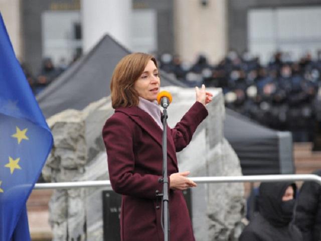 «Угроза свержения конституционного строя»: президент Молдовы созывает Совбез