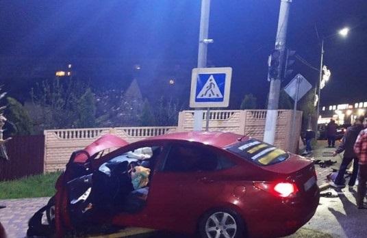Пассажир погиб на месте: молодой иностранец устроил смертельное ДТП под Киевом