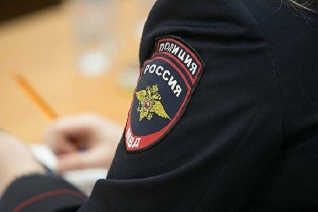 Полицейский устроил дебош во дворе родственников под Москвой и попал на видео