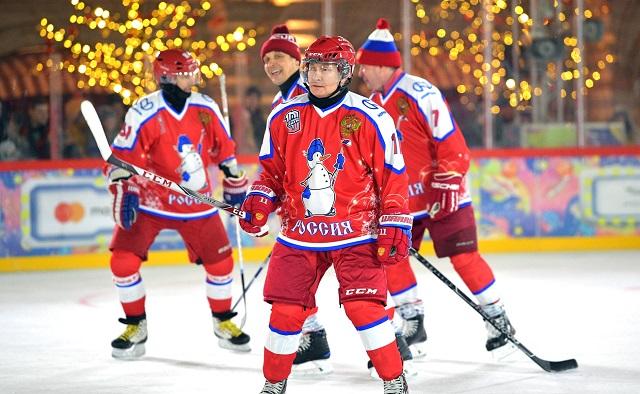 Путин вышел на лёд в матче Ночной хоккейной лиги