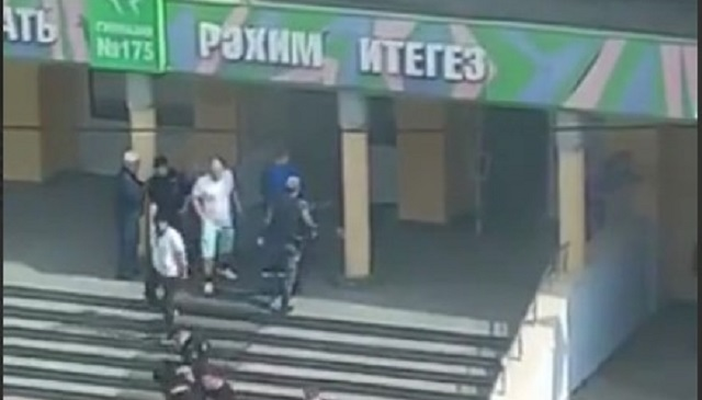 Появилось видео задержания одного из напавших на казанскую школу