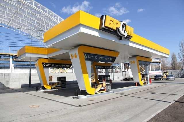 «Чудо-бензин А-95» сети АЗК БРСМ Нафта бодяжат на мини НПЗ под Гадячем: состав этого топлива - растворители и токсины