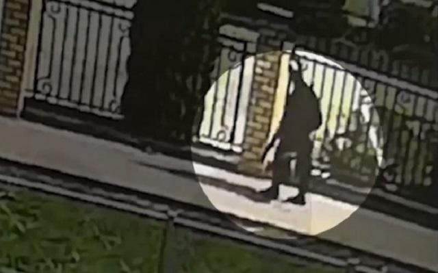 В полиции прокомментировали видео со стрелком из Казани, который спокойно прогуливался по городу с ружьем