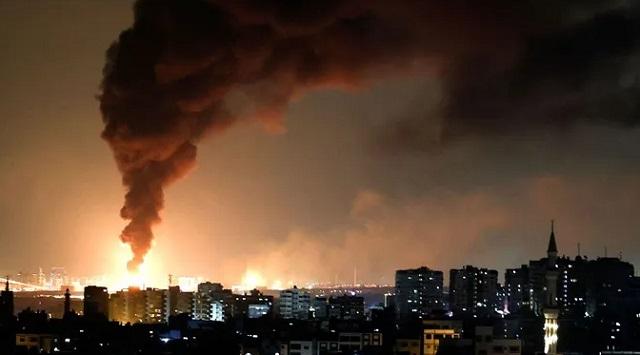 ХАМАС всю ночь обстреливал Израиль: запустили более 350 ракет
