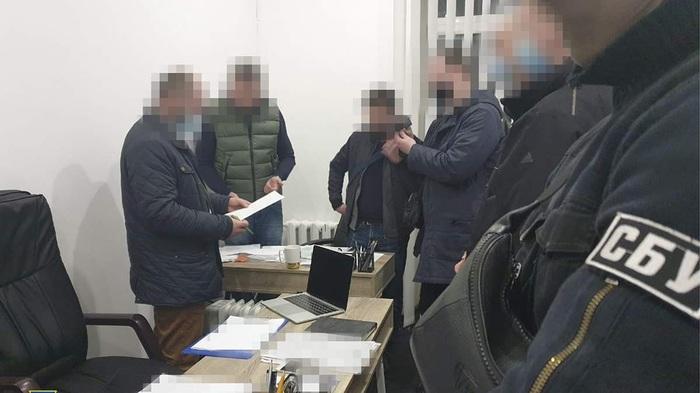 Одни преступники прикрывали других: СБУ разоблачила лиц, которые сливали информацию об обысках