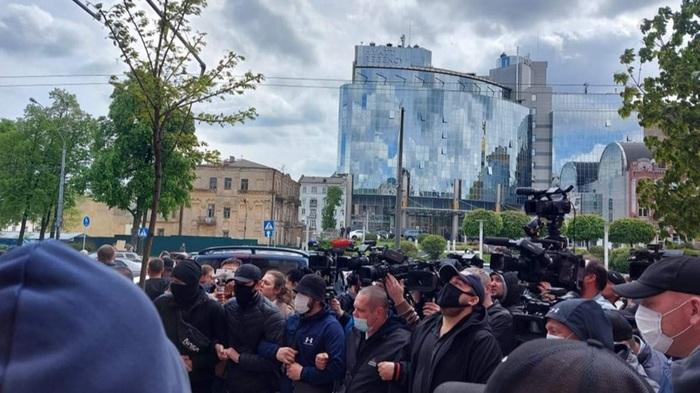 Медведчук прибыл в суд и заявил, что готов к СИЗО