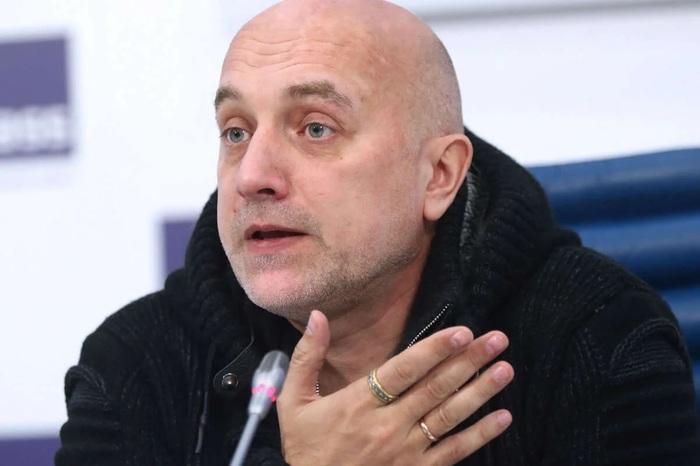 Незримое участие: Прилепин заявил о подготовке переворота в Украине