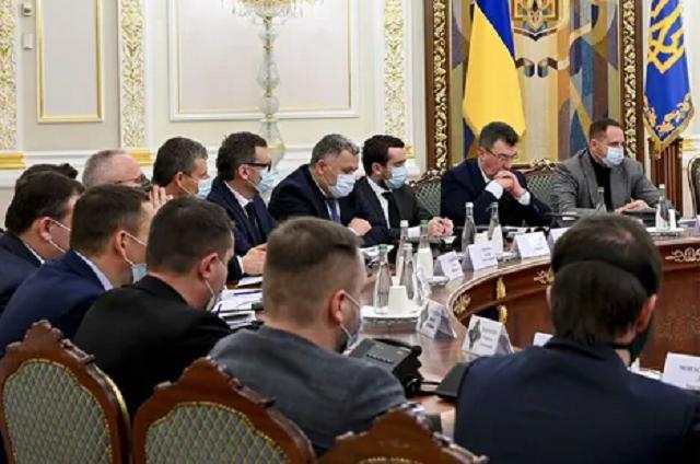 СНБО может ввести санкции против нардепов и российских артистов