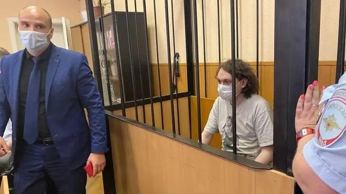 В Петербурге суд начал заседание по мере пресечения видеоблогеру Юрию Хованскому
