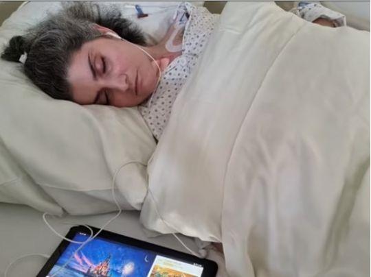 Женщина очнулась после десятимесячной комы и обнаружила, что стала мамой