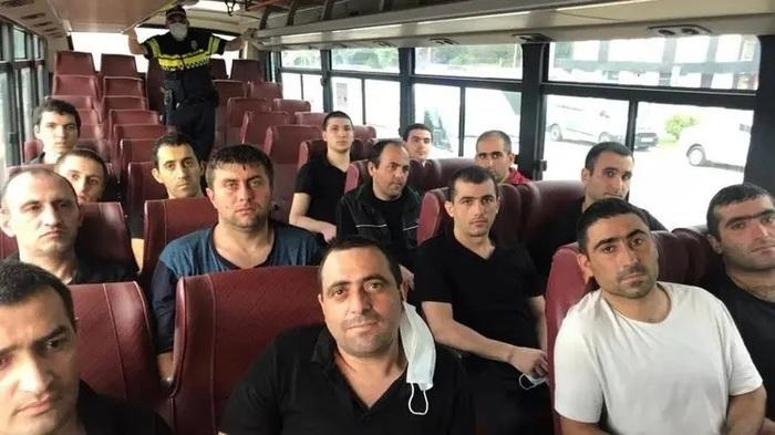 Азербайджан обменял 15 пленных армян на карты минных полей