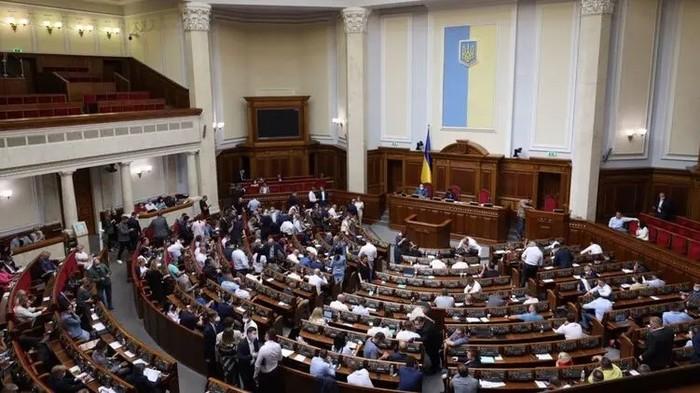 Рада может собраться на внеочередные заседания ради проектов об олигархах и национальном сопротивлении