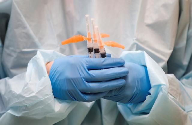 Препарат, которым вакцинируют украинцев, пасует перед мутировавшим COVID-19