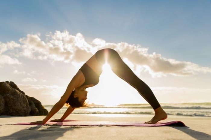 У кого поза лотоса круче: украинские звезды посоревновались в любви к йоге