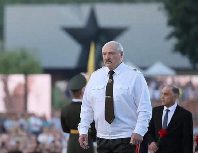 """Лукашенко заявил, что Европа пытается убить Беларусь, и назвал министра Германии """"наследником нацистов"""""""