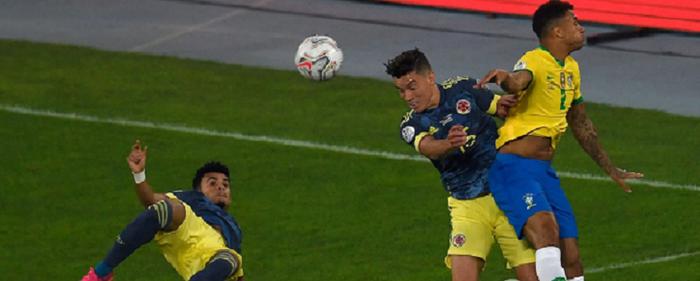 Колумбийский футболист забил гол-шедевр бисиклетой Бразилии на Кубке Америки