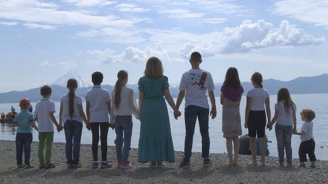 На Ривненщине женщина родила 19 детей: как живется рекордсменам по рождаемости